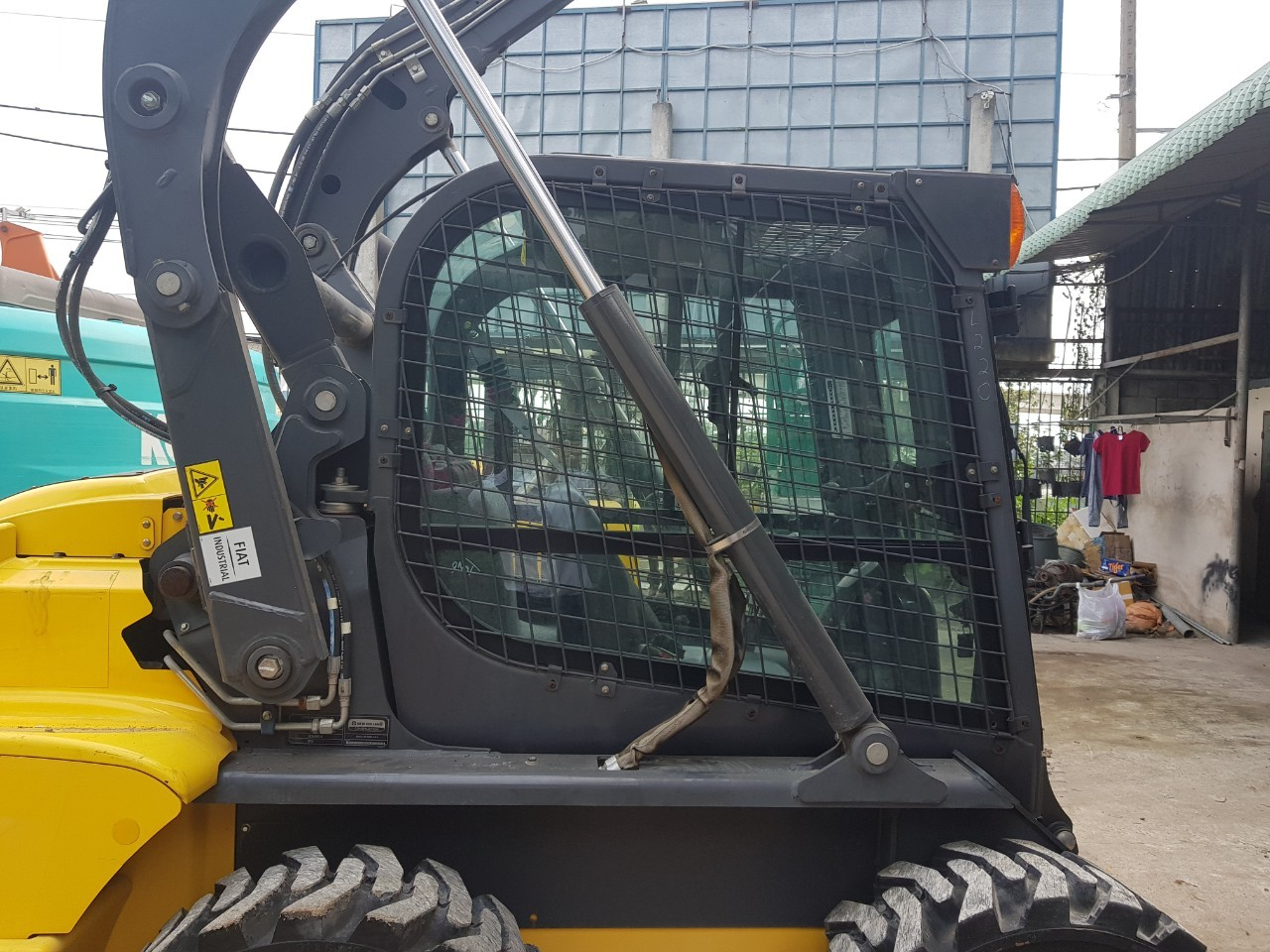 Skid Steer Loaders New Holland L220  U00bb Vi U1ec7t Nh U1eadt  Vijaco