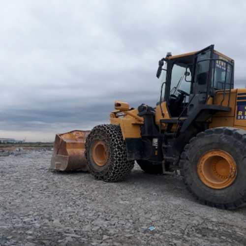 Excavators and wheel loader for lease at GUSAN